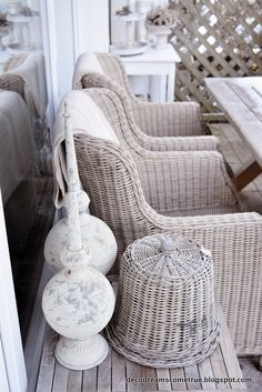 58 trendy covered patio diy home decor Vintage Patio Furniture, Small Patio Furniture, Outdoor Wood Furniture, Outdoor Patio Designs, Diy Patio, Modern Patio Doors, Covered Patio Design, Dreams Come True, Patio Plans
