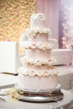 A Tale of a Two City Wedding { Chicago and Cleveland Muslim Pakistani Wedding Photography} Wedding Cake Designs, Wedding Cake Toppers, Beautiful Wedding Cakes, Beautiful Cakes, Pakistani Wedding Photography, Couture Cakes, Cake Servings, Lifestyle Photography, Groomsmen
