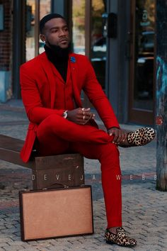 Red Groom Tuxedos 2019 Red Groomsmen Custom Made Back Vent Best Man Suit Wedding Men Suits Bridegroom (Jacket+Pants+Vest) Prom Suits For Men, New Mens Suits, Mens Fashion Suits, Red Prom Suits, Mode Masculine, Mens Italian Suits, Streetwear, Fashion Business, Fine Men
