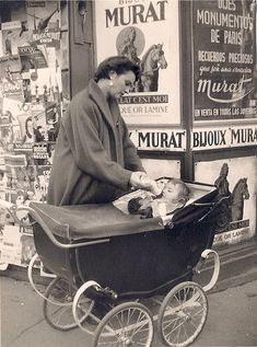 Baby strollers vintage dolls prams New Ideas Vintage Pictures, Old Pictures, Vintage Images, Old Photos, Vintage Pram, Photo Vintage, Vintage Dolls, Old Photography, Historical Pictures