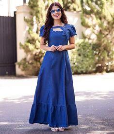 A very feminine denim dress. Yellow Dress, Blue Dresses, Summer Dresses, Floaty Dress, Dress Skirt, Girl Fashion, Fashion Dresses, Dress Pesta, Womens Denim Dress