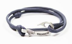 Stars /& Stripes Chasing Fin Adjustable Bracelet 550 Military Paracord with Fish Hook Pendant