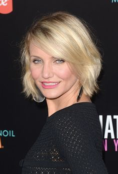 """Cameron Diaz Photo - Premiere Of Lionsgate's """"What To Expect When You're Expecting"""" - Arrivals Chinese Bob Hairstyles, Cameron Diaz Hair, Short Hair Cuts, Short Hair Styles, Beautiful Perfume, Cut My Hair, Lob, Celebrity News, Hair Makeup"""