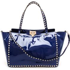 VALENTINO Rock Stud Patent Leather Tote Bag (24.725 ARS) ❤ liked on Polyvore featuring bags, handbags, tote bags, purses, valentino, borse, pocket tote, blue purse, studded tote bag and valentino handbags