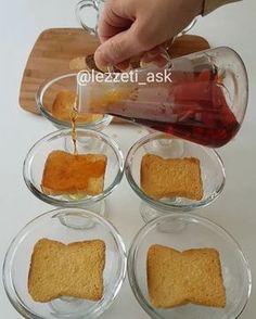 """9,690 Beğenme, 143 Yorum - Instagram'da lezzet-i_ask (@lezzeti_ask): """"Hayırlı geceler arkadaslar yine iftar sahur arası çok bilindik sevilen bir tatlı hazırladım.Tek…"""" Cake Recipes, Dessert Recipes, Iftar, Turkish Recipes, Cake Cookies, Deserts, Brunch, Food And Drink, Pudding"""