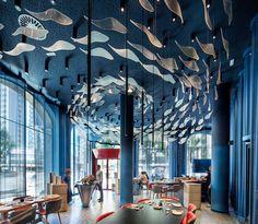 Tunateca Balfegó - Roter Thunfisch Restaurant in Barcelona von The Creative Team - In . Bar Design Awards, Boutique Interior Design, Restaurant Interior Design, Blue Rooms, Hospitality Design, Cafe Design, Design Design, Design Ideas, Ceiling Design