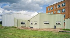 This light-weight steel frame three classroom building took Smart Space just 15 weeks to construct at Kingsbury School.