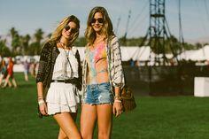 Galeria de Fotos Branco, listras e muitos shorts jeans: veja os looks do primeiro finde do Coachella // Foto 29 // Notícias // FFW
