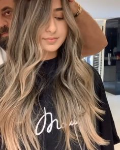Balayage For Shoulder Length Hair ❤️ Let us guide you in the world of medium hair styles. We have a collection of the trendiest hairstyles for ladies with shoulder length hair. Brown Hair With Blonde Highlights, Brown Blonde Hair, Hair Highlights, Wavy Hair, Tree Braids Hairstyles, Blonde Hairstyles, Layered Hairstyles, Hairstyle Men, Blonde Highlights