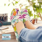 Take a look at the TOMS Women event on #zulily! Up to 40% off Womens, Mens and Childrens shoes!