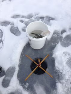 Ice fishing gear on pinterest clam ice fishing ice for Ice fishing gear list