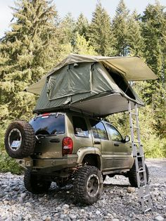 Zombie-proof your next outdoor sleeping experience! Jeep Liberty going the extra mile to keep you safe! This is my Jeep on steroids! Off Road Camping, Jeep Camping, Family Camping, Jeep Tent, Camping Tips, Camping Knife, Tent Campers, Camping Activities, Outdoor Activities