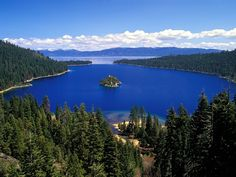Emerald Bay, Lake Tahoe: Traveled here with my family to visit our California relatives. Lake Tahoe is beautiful! Stayed in a family cabin and went to the beach on of July to watch the fireworks! South Lake Tahoe, Lago Tahoe, Emerald Bay Lake Tahoe, Emerald Lake, Great Places, Places To See, Beautiful Places, Rio Wallpaper, Dream Vacations