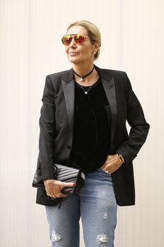 A temperatura em São Paulo caiu e os fashionistas tiraram os casacos, jaquetas e moletons do armário. Confira os melhores looks de street style desta quarta-feira (27.04) no SPFW N41.