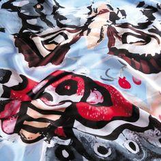 Foulard Mariposa.Medidas: 180 x 90 cm aprox.IVA incluido en el precio.No se…