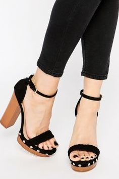 Lipsy Bella Black Clog Platform Heeled Sandals - Black https://modasto.com/lipsy/kadin-ayakkabi/br40742ct13 #modasto #giyim