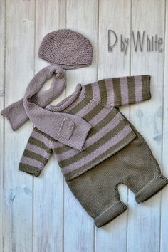 knitted baby cardigan with poc Knitting For Kids, Baby Knitting Patterns, Baby Patterns, Cardigan Bebe, Knitted Baby Cardigan, Baby Outfits, Kids Outfits, Baby Overall, Baby Layette