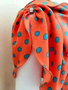 Kurti Sleeves Design, Kurta Neck Design, Sleeves Designs For Dresses, Blouse Neck Designs, Kurta Designs, Sleeve Designs, Sewing Sleeves, Sewing Blouses, Stylish Blouse Design