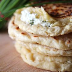 naans aux fromages