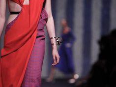 Da #ParisHauteCouture arriva anche la collezione #AltaModa #fallwinter 13/14 di #ChristianDior #Dior! http://www.veraclasse.it/articoli/sfilate/donna/christian-dior-alta-moda-autunno-inverno-2013-2014/10617/