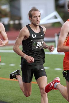 Dathan Ritzenhein at the Portland Track Classic, 9 June 2012, photo by Erik Palmer