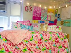 Home Decorating Style 2020 for 10 Lilly Pulitzer Bedroom Ideas Incredible as well as Interesting, you can see 10 Lilly Pulitzer Bedroom Ideas Incredible as well as Interesting and more pictures for Home Interior Designing 2020 at Santa Barbara Home. Preppy Dorm Room, Cute Dorm Rooms, Preppy Bedroom, Lily Pulitzer Bedding, Lilly Pulitzer, Girl Room, Girls Bedroom, Bedroom Ideas, Bedrooms
