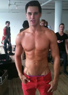 Dillion Parkes http://activelifeessentials.com/health-and-fitness/ #fitness #abs