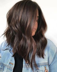 Long Wavy Ash-Brown Balayage - 20 Light Brown Hair Color Ideas for Your New Look - The Trending Hairstyle Brown Hair Balayage, Brown Blonde Hair, Hair Highlights, Ombre Hair, Color Highlights, Wavy Hair, Rich Brunette Hair, Long Brunette, Caramel Highlights