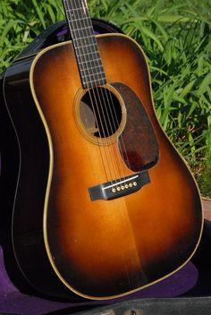 Vintage 1939 Martin D-28 guitar. SN 73537. Guitar Database. Sunburst top. California Vintage Guitar & Amp.