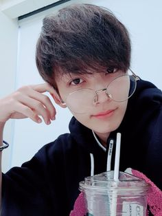 Uploaded by Ichikawa tsubaki. Find images and videos about fashion, cute and kpop on We Heart It - the app to get lost in what you love. Seungkwan, Mingyu, Hiphop, Won Woo, Jeonghan Seventeen, Man Crush Monday, Seventeen Debut, Joshua Seventeen, Pledis 17