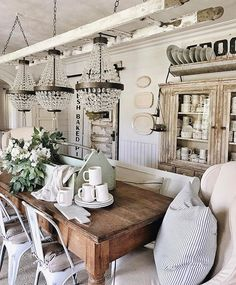 Perfect French Country Living Room Design Ideas For This Fall 18 French Country Living Room, French Country Decorating, Fall Decorating, Style At Home, Plywood Furniture, Home Design Decor, Interior Design, Design Ideas, Design Design