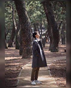 GRAND OPEN 2019/2/28 Ootd Poses, Goblin Korean Drama, Korean Ootd, Goong Yoo, Coffee Prince, Jang Hyuk, Man Crush, Korean Actors, Style Guides