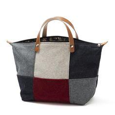 Handbag - Mala de mão em chenille, sarja e ganga. Forro interior em sarja floral e ganga. Pegas duplas em couro natural. Fecho de correr. Handmade - numerado. Medidas: 45x28x20cm