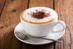 A kapucsínón és a lattén kívül is van élet: ha kávéimádó vagy próbálj ki mást is! How To Make Cappuccino, Cappuccino Recipe, Cappuccino Coffee, Ice Caramel Macchiato, Latte Macchiato, Healthy Coffee Drinks, Top Drinks, Coffee World, Coffee Drinkers