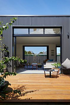 Brunswick Extension by ArchiBlox (via Lunchbox Architect) House Cladding, Facade House, Exterior Cladding, Zinc Cladding, Metal Building Homes, Building A House, Timber Deck, Shed Homes, Metal Buildings
