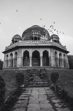 Lodi gardens in Delhi Lodi Gardens, Incredible India, Taj Mahal, Louvre, The Incredibles, Building, Travel, India, Voyage