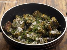 paatra recipe | Gujarati parta | Gujarati patra farsan | steamed patras | Garlic Chutney, Patras, Chilli Paste, Gujarati Recipes, Green Chilli, Evening Snacks, Spinach Leaves, My Cookbook, Non Stick Pan