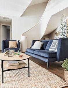 Canapé en velours bleu - Le Journal de la Maison