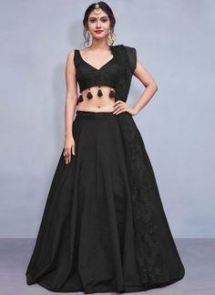 Buy Lehenga Choli Fancy Tafeta Silk in Black Online | Sareeslane.com