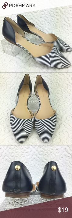 Tommy Hilfiger Neali2 D'orsay Flats Gently used. The only flaws these flats have are the bottom of the heels as shown in the photos. Other than that these flats have no heels. Tommy Hilfiger Shoes Flats & Loafers