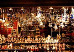 Kerstdagen in Verona Christmas In Italy, German Christmas Markets, Italian Christmas, Cozy Christmas, Christmas Lights, Christmas Time, Christmas Crafts, Verona, Wooden Ornaments