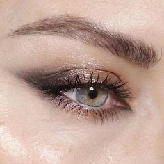 Gray smokey and glossy glittery wing #ForBlondesWeddingMakeup