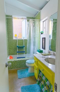 Love this green bubble tile (the rest of the house...not so sure) (article)