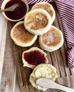 English muffins – Anine Gutubakken Byles English Muffins, Pancakes, Breakfast, Blog, Morning Coffee, Pancake, Blogging, Crepes