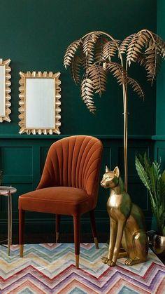 Art Deco Living Room, Art Deco Bedroom, Living Room Green, Boho Living Room, Bohemian Living, Bedroom Decor, Jungle Living Room Decor, Dark Walls Living Room, Bedroom Artwork