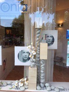 Portfolio van Rich Art Design met voorbeelden van etalages en winkelstyling bij diverse beautycentra en schoonheidsspecialistes gemaakt door onze etaleurs.