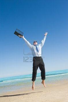 http://us.123rf.com/400wm/400/400/levkr/levkr1207/levkr120700058/14645522-dreams-come-true-premier-jour-de-vacation-businessman-sur-la-plage.jpg