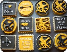 Hunger Games cookies so fun! Hunger Games Cake, Hunger Games Party, Hunger Games Trilogy, Hunger Games Crafts, Hunger Games Problems, Hunger Games Humor, Nerd Problems, Tribute Von Panem, Cupcakes