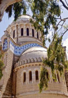 La Basilique Notre-Dame dAfrique. Notre Dame d'Afrique (Our Lady of Africa) is a Catholic basilica in Algiers, Algeria.