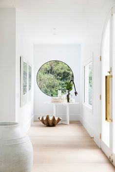 Airy front entrance space—House 10. By Three Birds Renovations x Sophie Bell, featuring Dulux White on White.